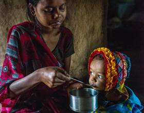 £32 can provide a family with emergency cooking utensils